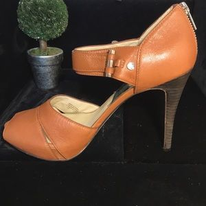 MICHAEL MICHAEL KORS brown leather heels size 7.5M